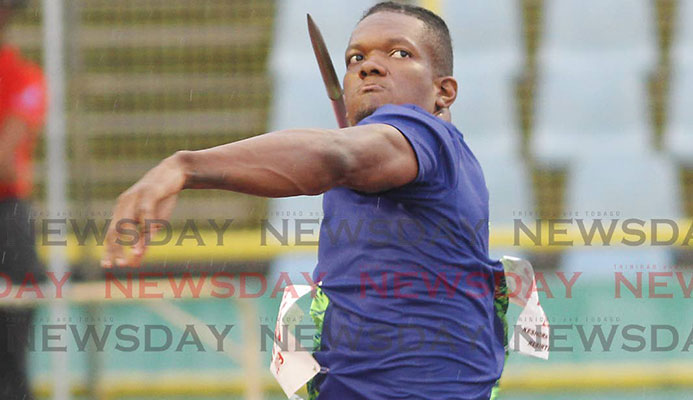 Walcott protests javelin disqualification